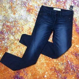 NWT Abercrombie & Fitch Dark Wash Jeans